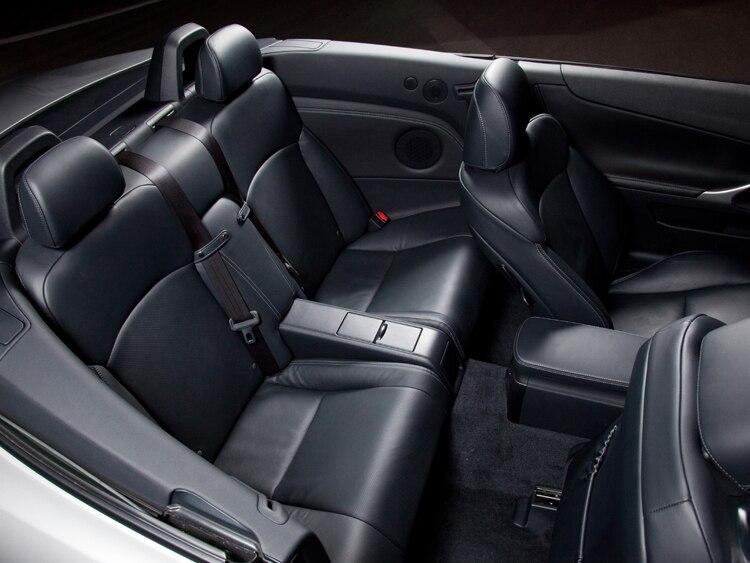 http://st.automobilemag.com/uploads/sites/11/2009/12/0912_06_z-2010_lexus_iS_250_c-interior.jpg