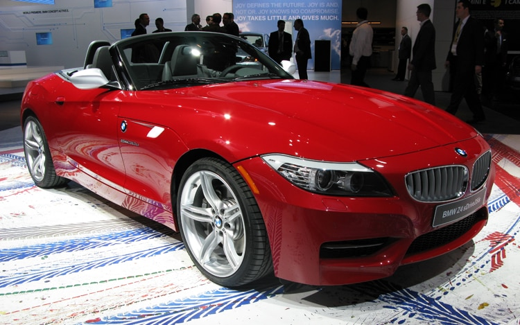 1001 05 Z 2010 BMW Z4 Sdrive35is Front Three Quarter View