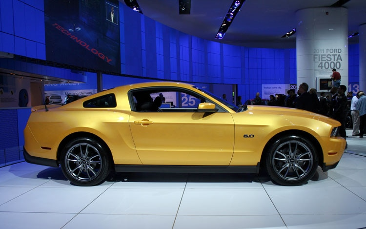 2011 ford mustang gt 2010 detroit auto show coverage. Black Bedroom Furniture Sets. Home Design Ideas