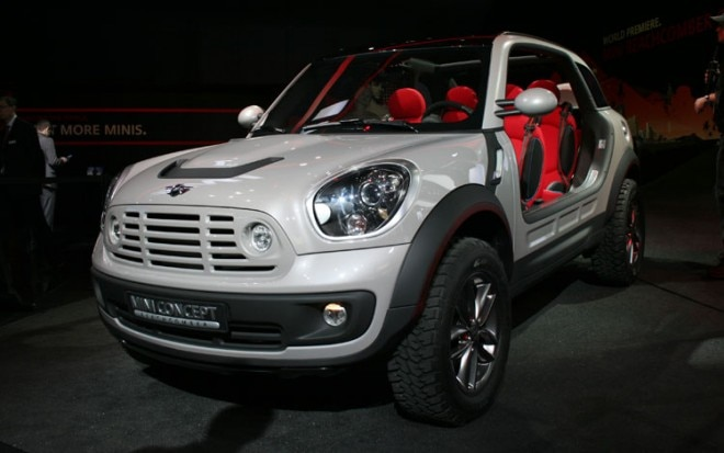 Mini Beachcomber Concept Front Three Quarters Static 660x413