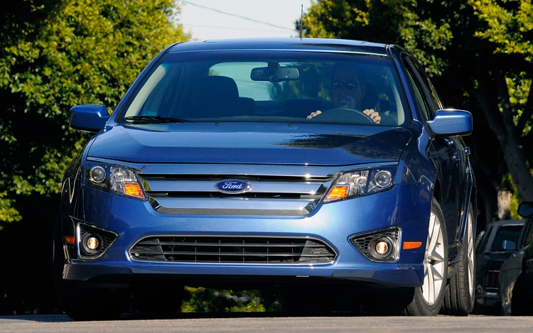 0912 01 Z 2010 Ford Fusion SE Front View