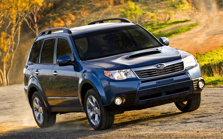 1001 01 Z 2009 Subaru Forester 25XT Front Three Quarter View