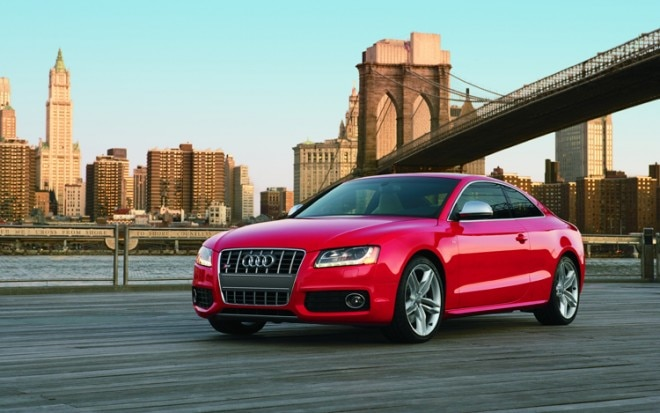 1001 02 Z 2010 Audi S5 Coupe Front Three Quarter View 660x413