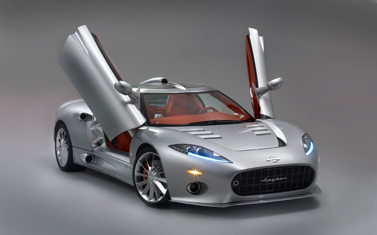 1001 03 Z 2010 Spyker C8 Aileron Front Three Quarter View