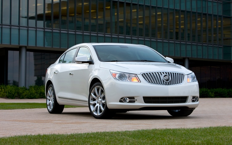1001 04 Z 2010 Buick LaCrosse CXS Front Three Quarter View