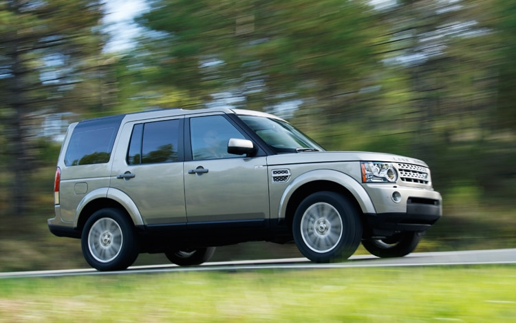 1001 05 Z 2010 Land Rover LR4 Side View