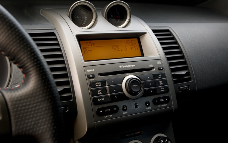 2010 Nissan Sentra Se R Nissan Compact Sedan Review