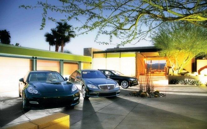 1002 02 Z 2010 Mercedes Benz S63 AMG BMW 760Li Porsche Panamera Turbo 660x413