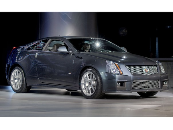 2010 detroit the future of cadillacs v series performance line 31993554 sciox Images