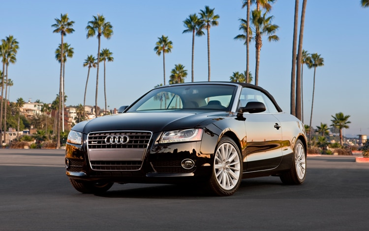 1002 01 Z 2010 Audi A5 Cabriolet Front Three Quarter View