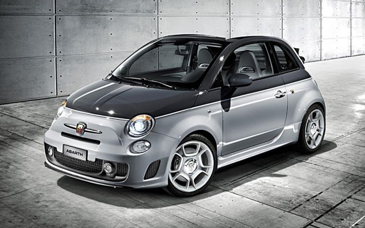 1002 01 Z 2010 Fiat Abarth 500c Front Three Quarter View