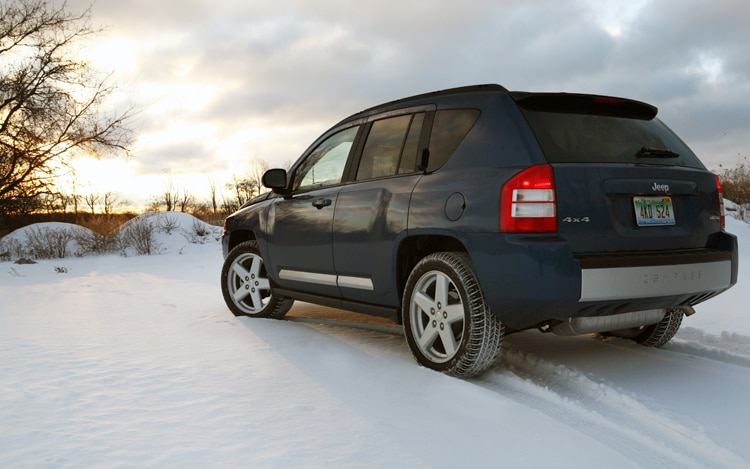 1002 01 Z 2010 Jeep Compass Limited 4x4 Rear Three Quarter View