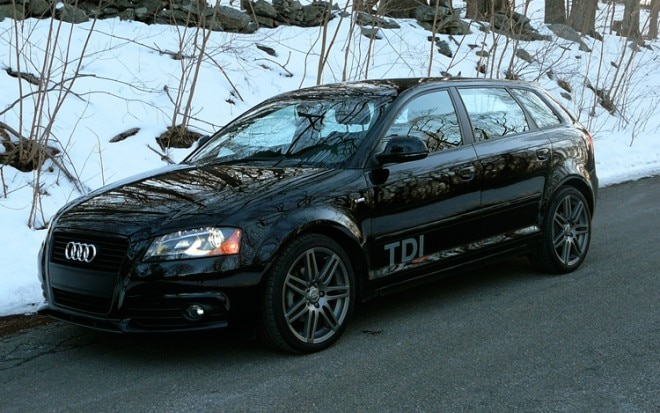 1002 02 Z 2010 Audi A3 TDI Front Three Quarter View 660x413