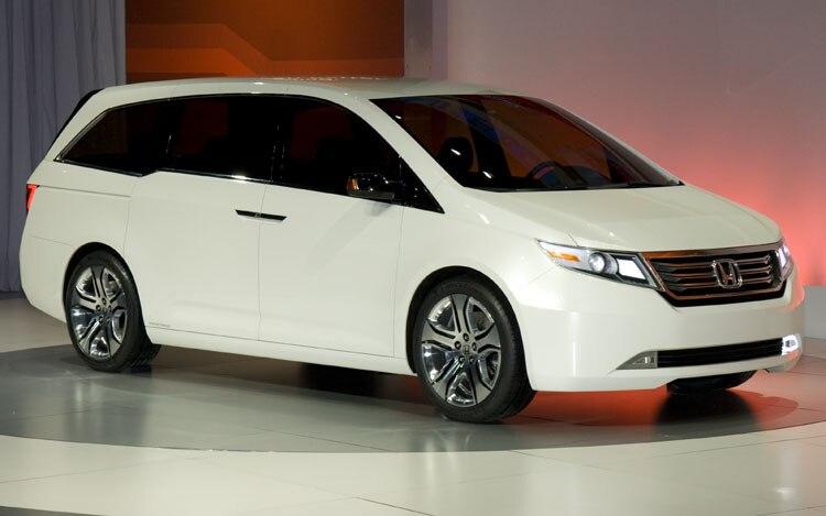 1002 02 Z 2011 Honda Odyssey Concept Front Three Quarter View