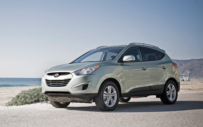 1003 01 Z 2010 Hyundai Tucson Front Three Quarter View 660x413