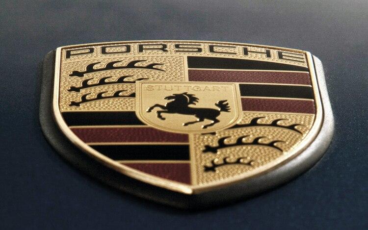 1003 12 Z Porsche 911 Emblem