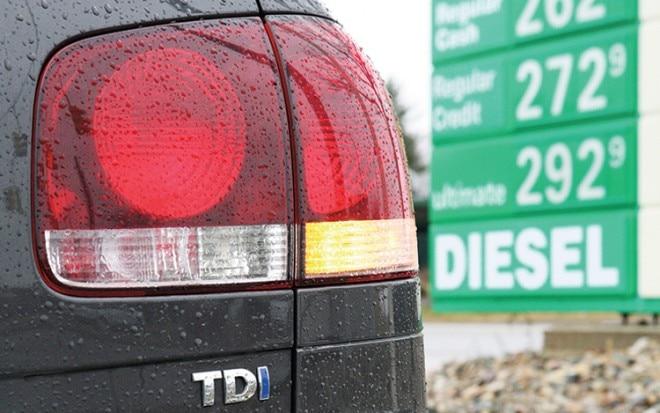 1004 01 Z 2010 Volkswagen Touareg Tdi Taillight 660x413