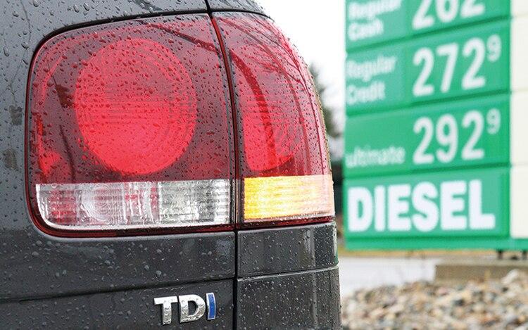 1004 01 Z 2010 Volkswagen Touareg Tdi Taillight