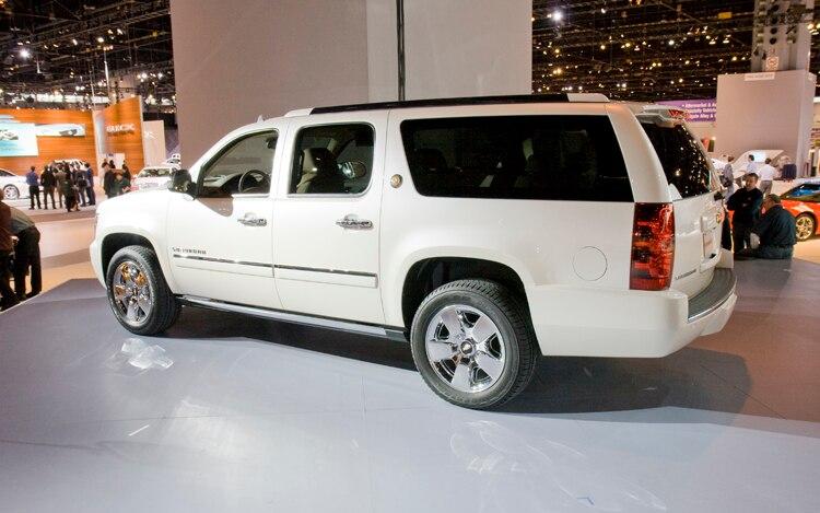 2010 Chevrolet Suburban Side1