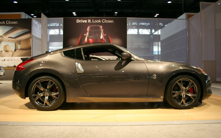 2010 Nissan 370z 40th Anniversary Side View