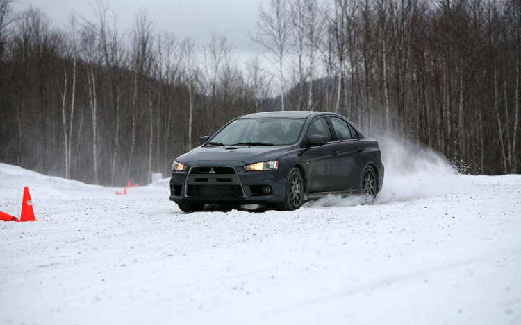 1003 01 Z Mitsubishi Lancer Evolution MR Front Three Quarter View