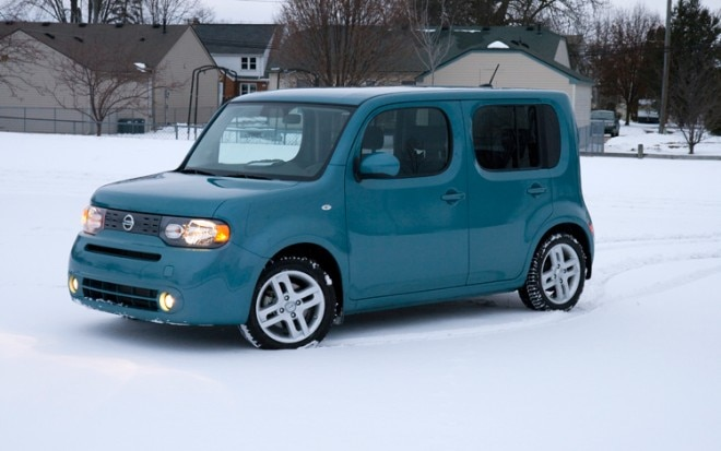 1003 02 Z 2009 Nissan Cube SL Front Three Quarter View 660x413