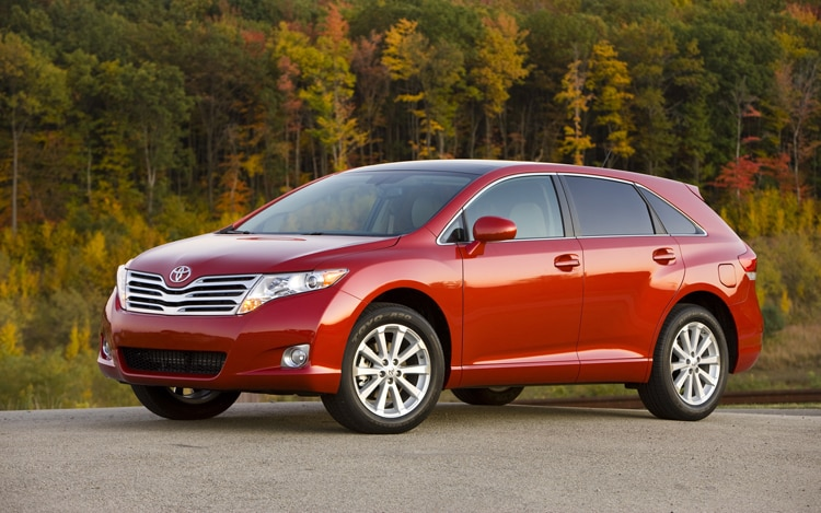 1003 02 Z 2010 Toyota Venza AWD Front Three Quarter View
