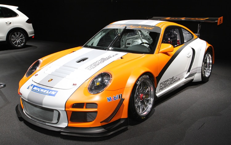 1003 03 Z 2011 Porsche 911 Gt3 R Hybrid Front Three Quarter View