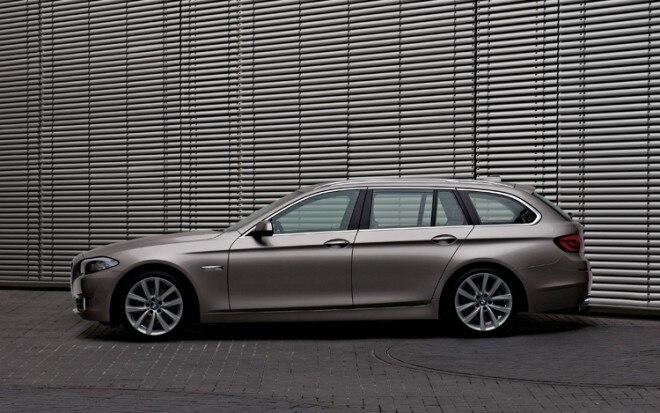 1003 08 Z 2011 BMW 5 Series Touring Driver Side View 660x413