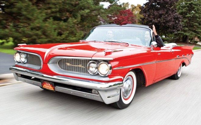 1003 17 Z 1959 Pontiac Bonneville Front Three Quarter View 660x413