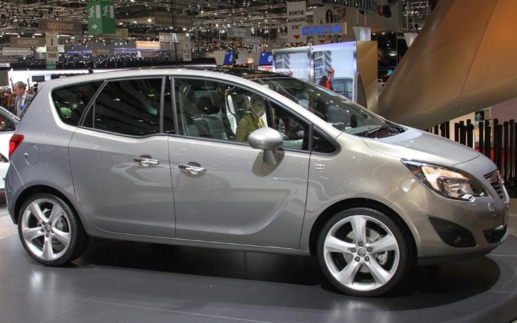 2010 Opel Meriva Side