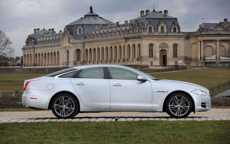 Jaguar XJ Jaguar Luxury Sedan Review Automobile Magazine - 2011 jaguar xjl reviews