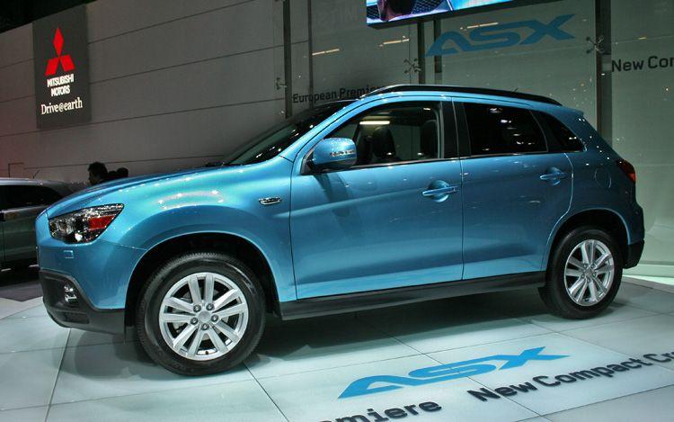 2011 Mitsubishi Asx Side View1