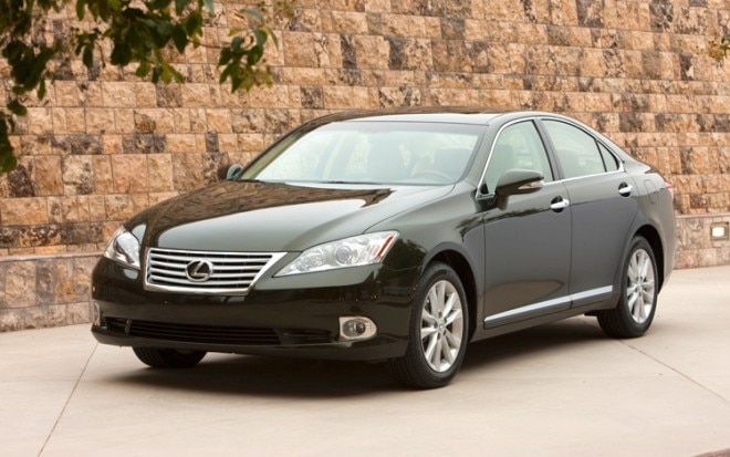 1004 01 2010 Lexus ES350 Front Three Quarter View 660x413
