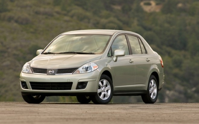 1004 02 2010 Nissan Versa Sedan Front Three Quarter View 660x413