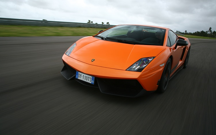 1004 Z 12 2011 Lamborghini Gallardo Superleggera LP570 4 Front Three Quarter View