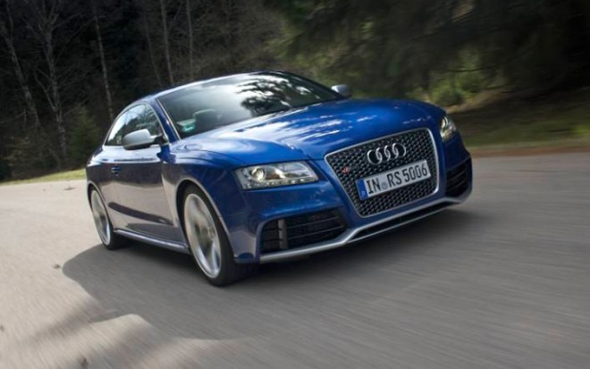 1006 17 2011 Audi RS5 Front Three Quarter View 660x413