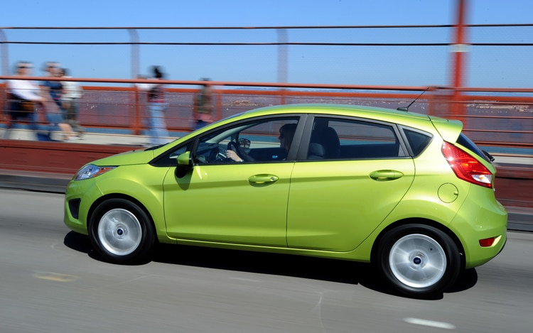 2011 Ford Fiesta Side View Driver 31