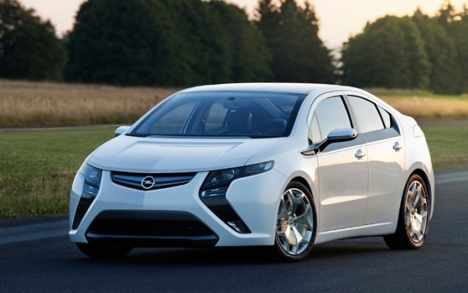 Opel Ampera Front Three Quarters View 660x413