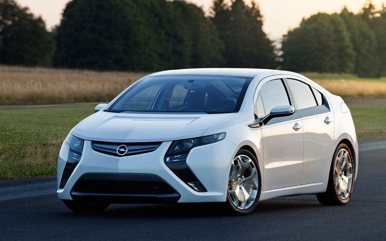 Opel Ampera Front Three Quarters View