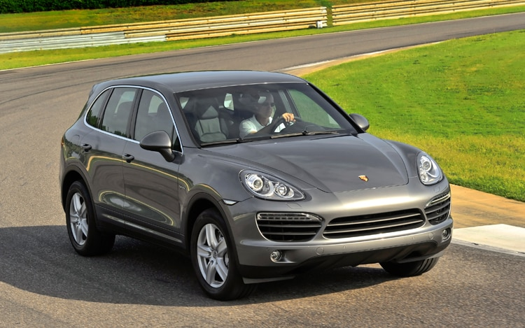 1005 01 2011 Porsche Cayenne Hybrid Front Three Quarters View
