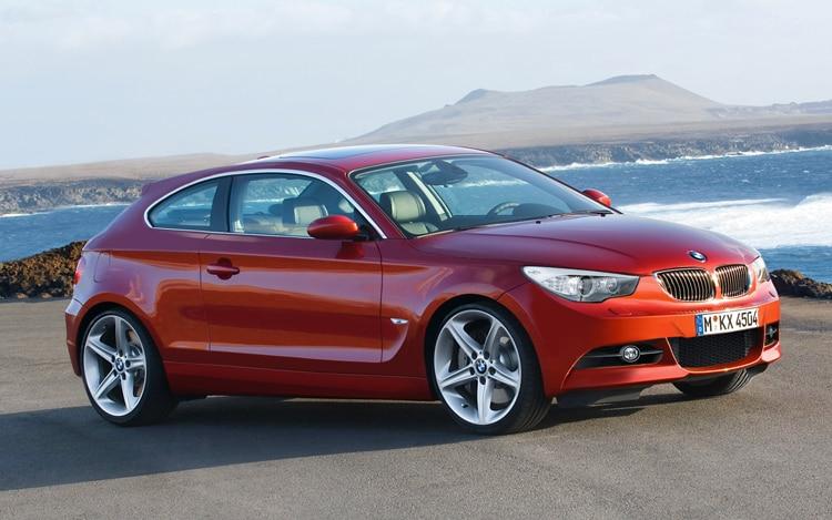 1005 01 BMW 1 Series Illustration Front Three Quarter View