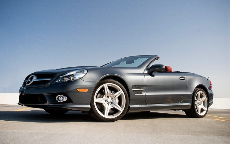 1005 06 2011 Mercedes Benz SL550 Front Three Quarter View