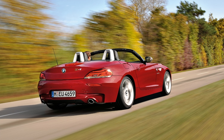 1005 08 2011 BMW Z4 Sdrive35is Roadster Rear Three Quarter View