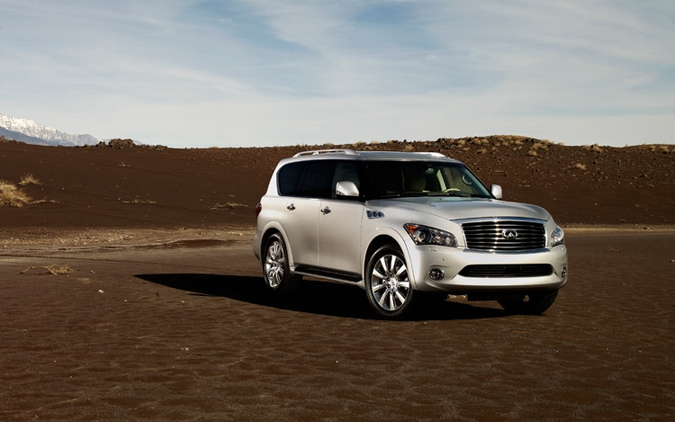 1005 09 2011 Infiniti QX56 Front Three Quarter View