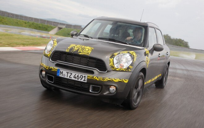 1005 14 Mini Countryman Front Three Quarter View 660x413