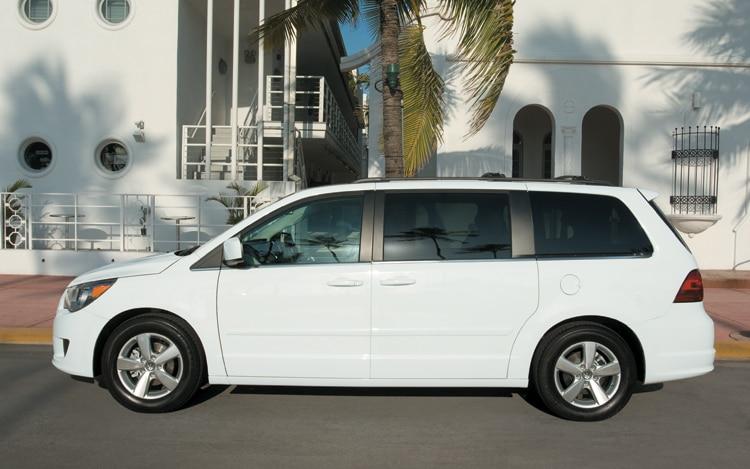 2010 volkswagen routan se volkswagen minivan review. Black Bedroom Furniture Sets. Home Design Ideas