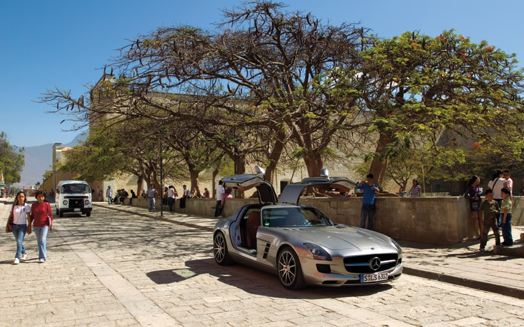 1006 04 2010 Mercedes Benz SLS AMG Front Three Quarter View