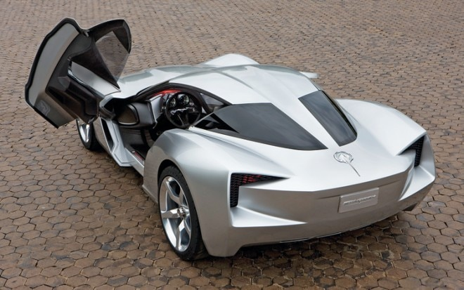 1006 29 2014 Chevrolet C7 Corvette Rear Three Quarter View 660x413