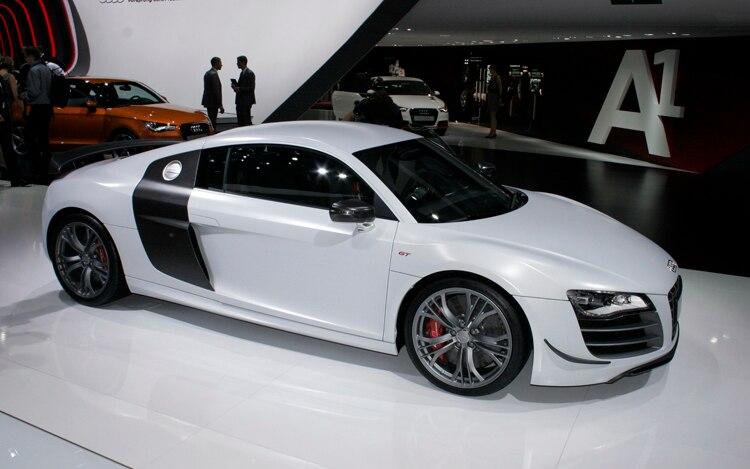 2011 Audi R8 GT Side 2